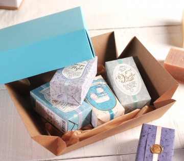 Presentation box for a large product