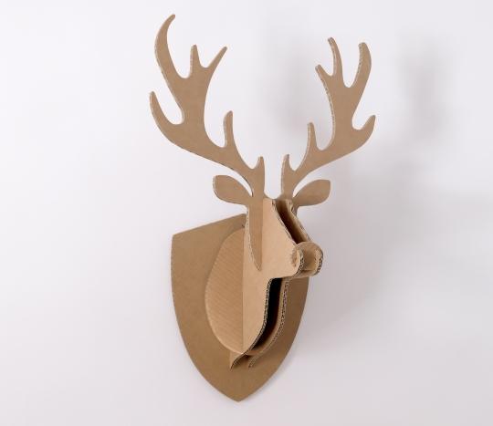 Cabeza de reno de cartón