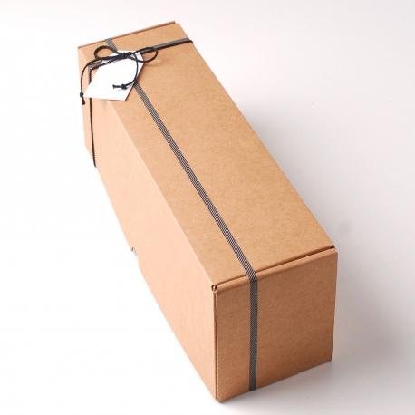 Simple oblong wine box decoration