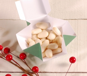 Simple Christmas square box decoration