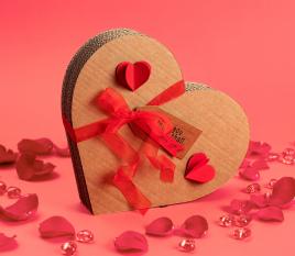 Heart-shaped cardboard box