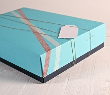 Cajas bicolor para tiendas