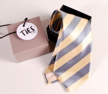 Caja cuadrada corbata