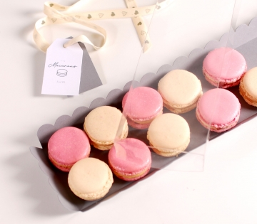 Long box for macaroons with cover