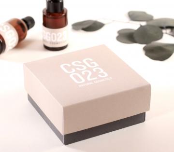 Caja forrada para guardar cosméticos