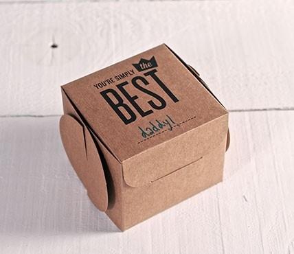 Cajas impresas con texto Simply The Best