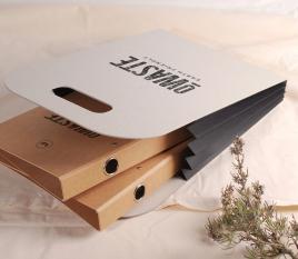 Kartontasche mit Seitenfalten