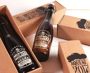 Pack presentación edición limitada cerveza Moritz. Caja de envío medida estándar con impresión personalizada.